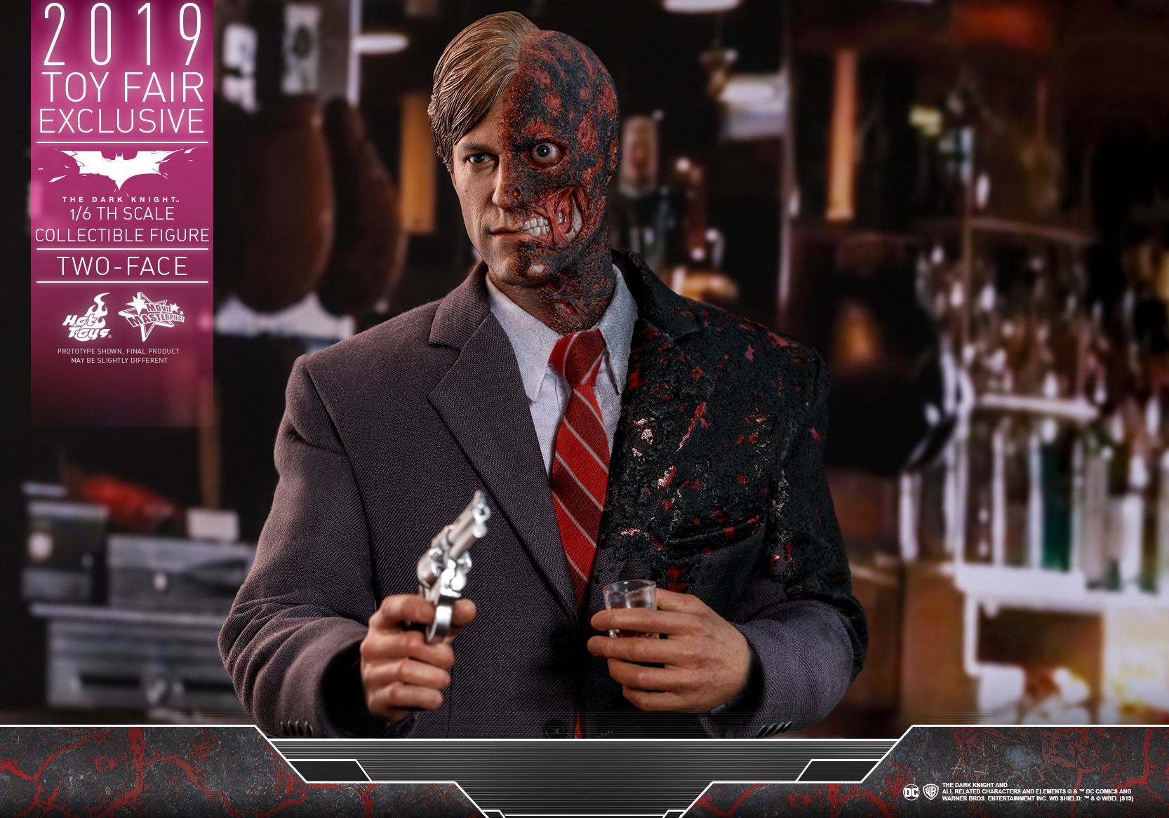 Hot Toys MMS546 The Dark Knight Two Face Harvey Dent 1//6 Figure Pre-Order